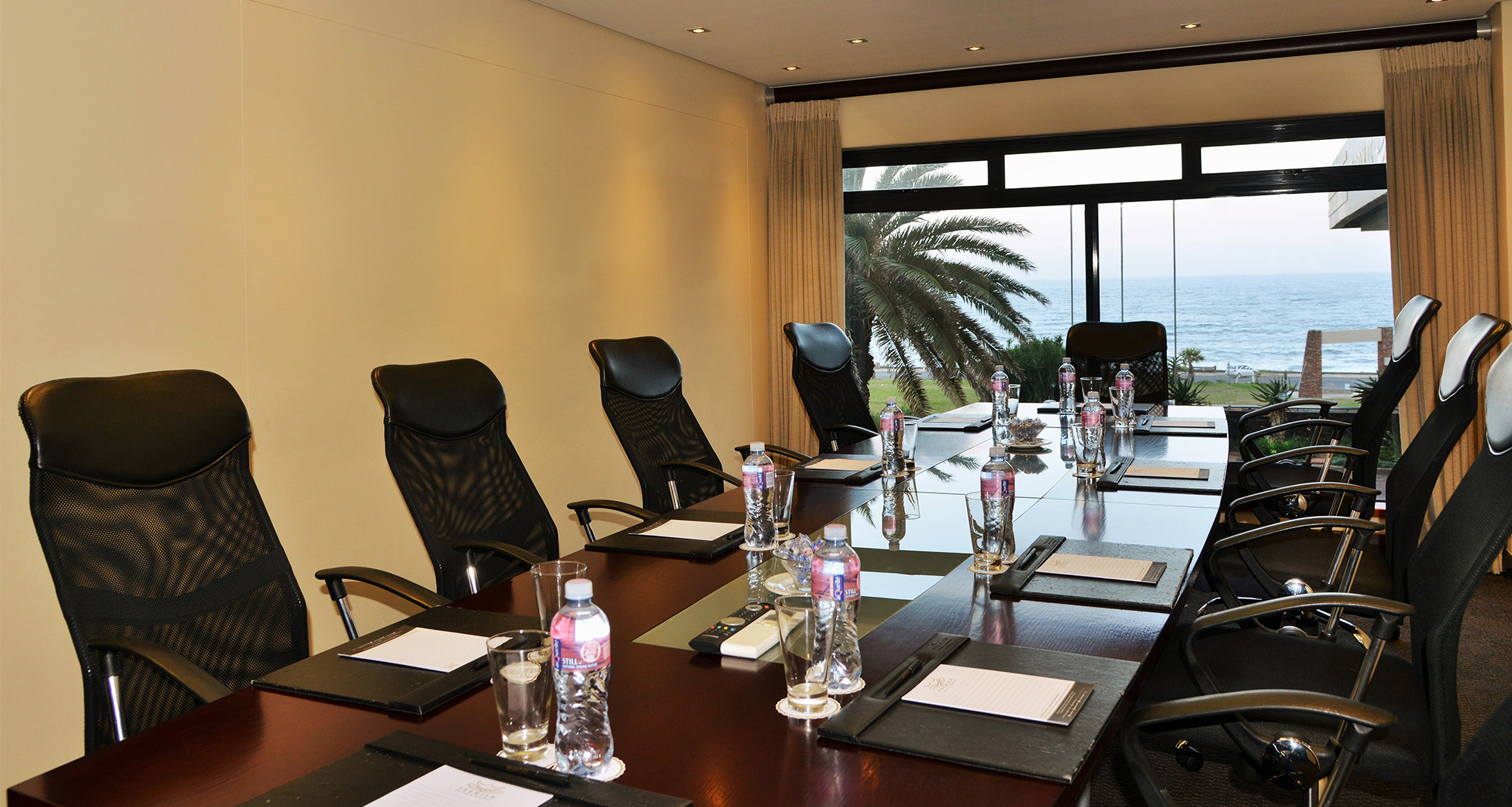 East london conference facilities east london premier for Best private dining rooms cape town