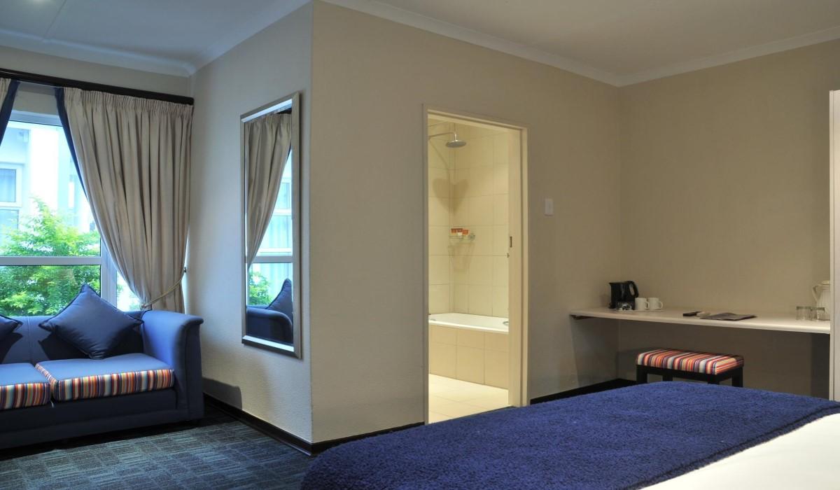 Family rooms splendid inn premier hotels for Premier inn family room